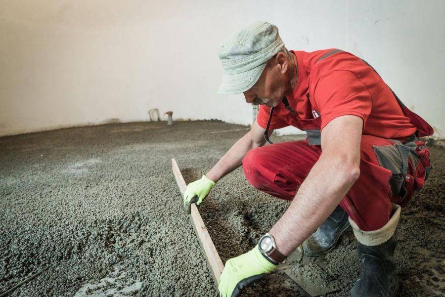 wyrównanie posadzki z lekkiego betonu