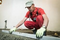 poziomowanie podłogi betonowej