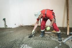 wyrównywanie posadzki betonowej